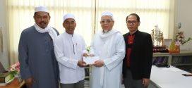 นายอรุณ บุญชม ประธานกรรมการฯ มอบเงินสนับสนุนการก่อสร้างอาคารมัสยิดนูรุดดีน (บ้านเกาะคลอง 13)